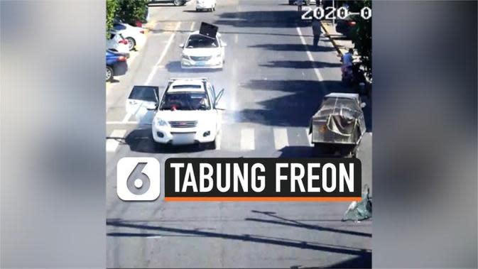 VIDEO: Rekaman Mobil Meledak di Jalan Karena Tabung Freon