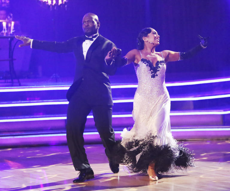 Emmitt Smith and Cheryl Burke (11/12/12)