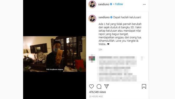 Sandiaga Uno telah menyelesaikan studi S3 dan meraih gelar Doktor Ilmu Manajemen dan mendapat hadiah angpau dari sang ibunda. (dok. Instagram @sandiuno/https://www.instagram.com/p/CF7DHG4Bmev/?hl=en)