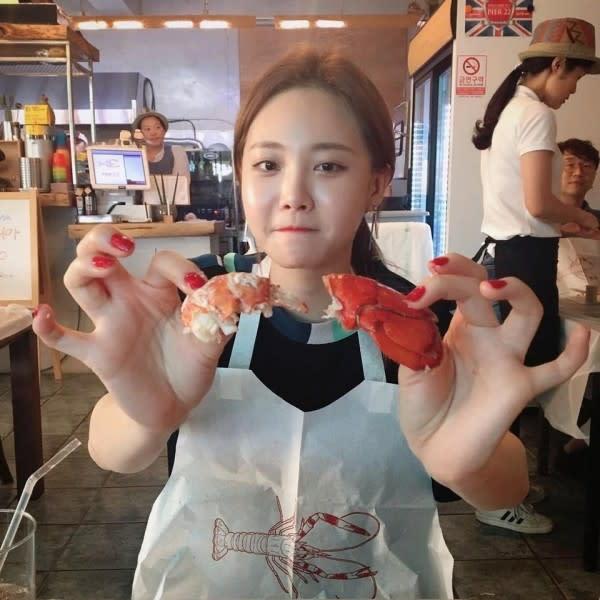 Pasca Girl's Day, 10 Potret Yura Ini Buktikan Pesonanya Makin Bersinar