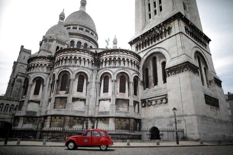 Paris iconic 2CV tours feel brunt of COVID-19 impact on tourism