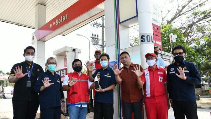 Kepala BPH Migas M. Fanshurullah Asa beserta Tim melakukan kunjungan ke beberapa titik SPBU di wilayah MOR IV dan V Pertamina. (Dok BPH Migas)