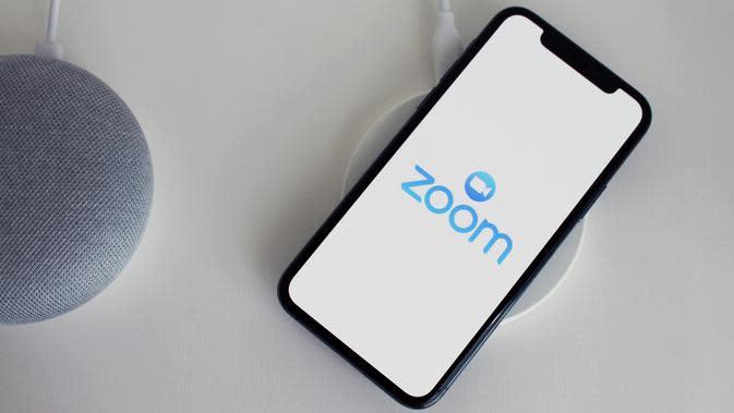 Aplikasi Zoom di Smartphone. Kredit: antonbe via Pixabay