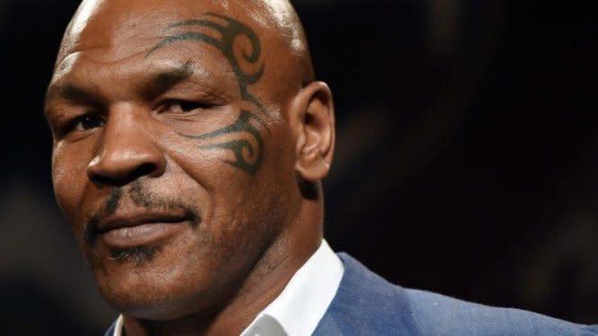Bahaya, Mike Tyson Sedang Buat Monster di UFC