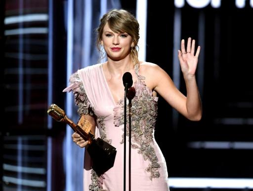Taylor Swift -- shown here accepting the Top Female Artist award at the 2018 Billboard Music Awards in May in Las Vegas -- has reportedly been tapped to star alongside Jennifer Hudson in a film adaptation of 'Cats'