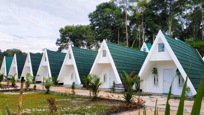 ilustrasi rekomendasi villa di Yogyakarta cocok untuk staycation bersama keluarga untuk menghilangkan penat/instagram: dkaliurangresortyk