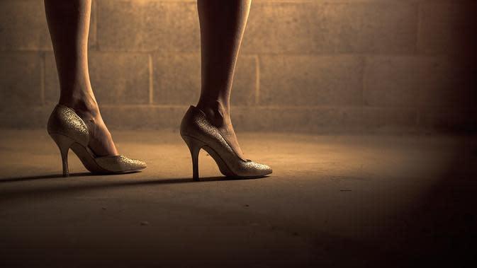 Ilustrasi sepatu yang sebaiknya digunakan saat mengenakan kebaya. (dok. StockSnap/Pixabay/Tri Ayu Lutfiani)