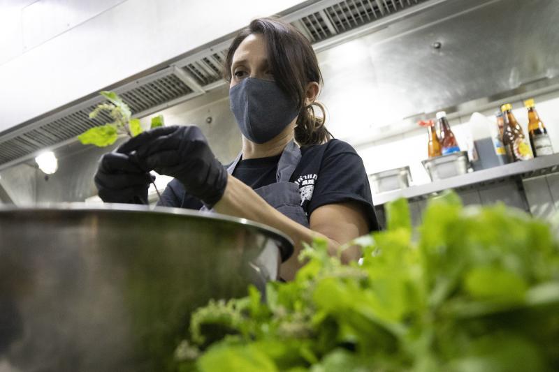 Pengusaha Thailand menghubungkan rumah makan Michelin dengan mereka yang membutuhkan