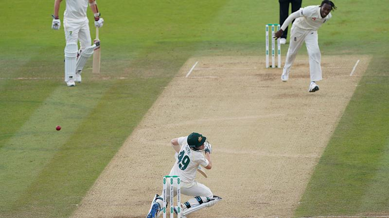 Steve Smith, pictured here after he was hit by Jofra Archer. (Photo by Jed Leicester/Getty Images)