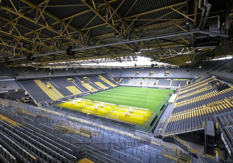 Positive test no catastrophe for Bundesliga, says Dortmund's Cramer
