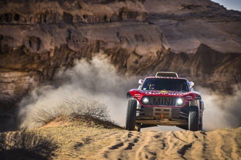 Sainz perlebar jarak, Sunderland sudahi perburuannya di Dakar 2020