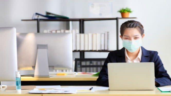 Hati-hati, Berada di Kantor Selama 8 Jam Rawan Terinfeksi COVID-19