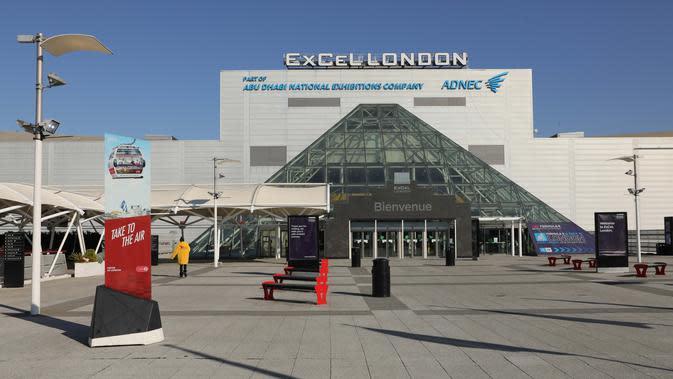Pemandangan pusat pameran ExCeL di London, Inggris (25/3/2020). Menteri Kesehatan Inggris Matt Hancock pada Selasa (24/3) mengungkapkan bahwa rumah sakit sementara akan didirikan di gedung ExCeL, sebuah pusat pameran di London timur, dengan kapasitas tampung hingga 4.000 pasien. (Xinhua/Tim Ireland)