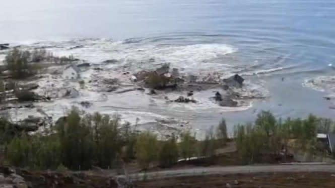 Mengerikan, Hanya 3 Menit Kampung Ini Hilang Ditelan Lautan