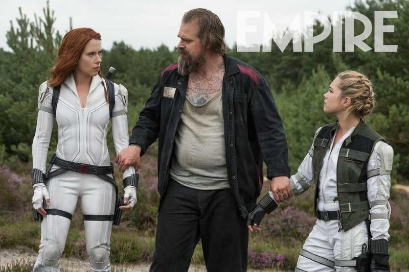 Scarlett Johansson, David Harbour, and Florence Pugh in Black Widow
