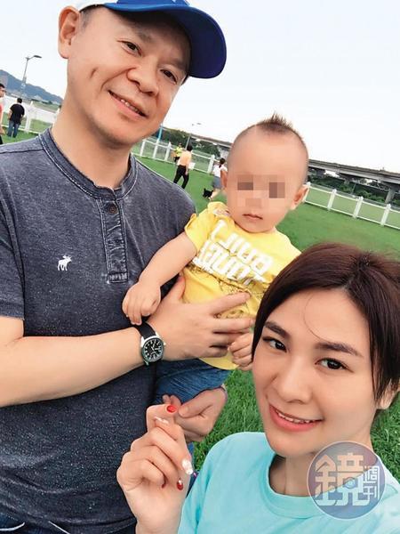 林以婕(右)曾為蘇睿騏(左)生下一子,兩人常帶著孩子出遊。(讀者提供)