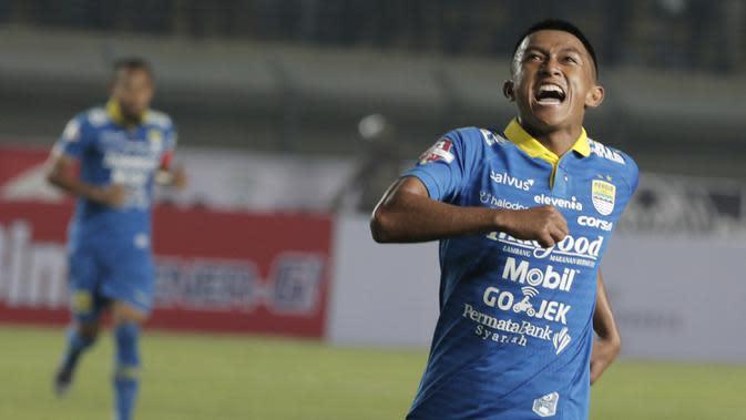 Gelandang Persib Bandung Febri Hariyadi. (Bola.com/M. Iqbal Ichsan)