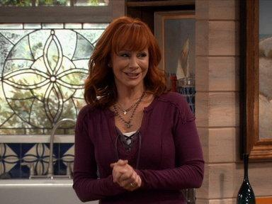 Yahoo! TV Q&A: 'Malibu Country' star Reba on her new comedy, her friendship with Lily Tomlin, and being a fan of 'Nashville'