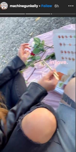 Megan Fox and Machine Gun Kelly have a romantic dinner. (Photo: Instagram via Machine Gun Kelly)