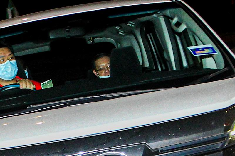 Former finance minister Lim Guan Eng arrives at Malaysian Anti-Corruption Commission in Putrajaya August 6, 2020. ― Picture by Hari Anggara