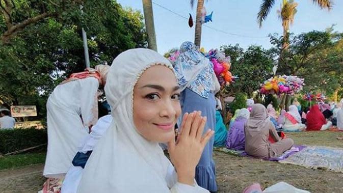 Dewi Hughes (Foto: Instagram/@hughes.dewi)