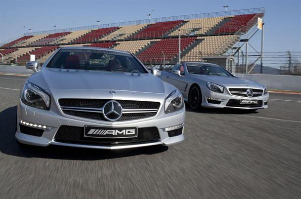 Mercedes SL63 AMG revealed, Viper teased again and new cars growing old in the Dash