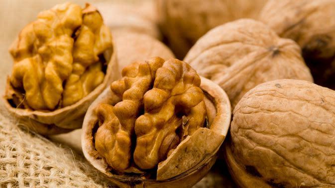 Manfaat Kacang Kenari untuk Kesehatan dan Kecantikan, Wajib Dicoba