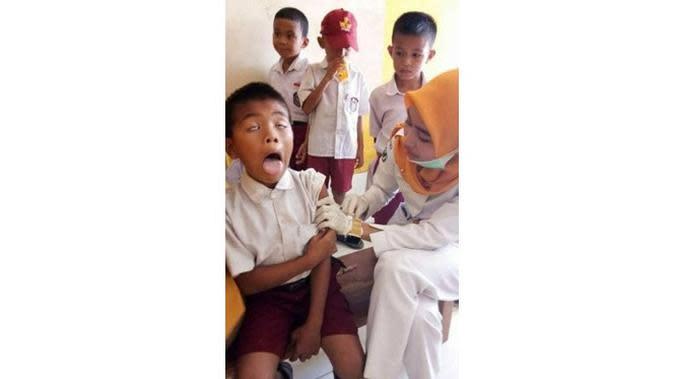 Ekspresi Lucu Anak saat Disuntik Ini Bikin Senyum (sumber: Twitter.com/jtoypark)