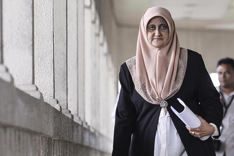 Saadatul Nafisah Bashir Ahmad leaves the Kuala Lumpur High Court January 13, 2020. — Picture by Miera Zulyana