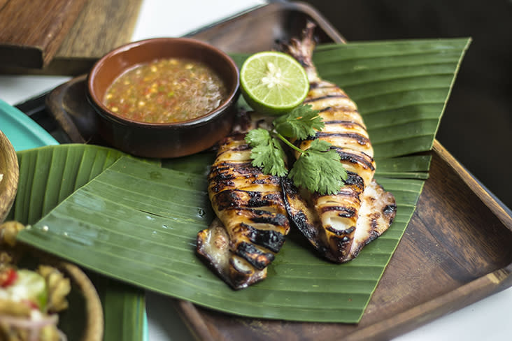 Relish the 'sotong bakar' with its smoky flavours