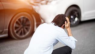 連環車禍的「追撞」或「推撞」,保險該怎麼賠?