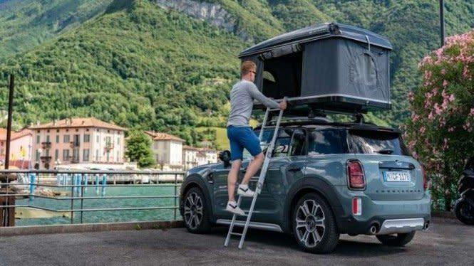 Liburan Pakai Mobil Mini CountrymanGak Perlu Repot Cari Hotel
