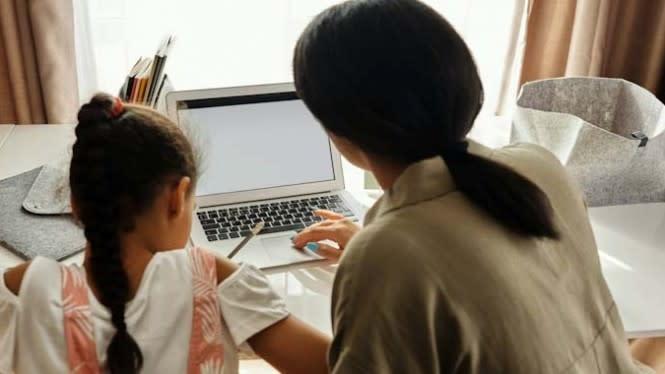 Beban Pendamping Belajar Anak Saat Pandemi, Nyatanya Lebih Banyak Ibu