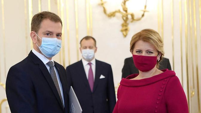 Potret Presiden Slovakia yang tetap stylish meski kenakan atribut pencegahan penularan virus corona. (Sumber: Instagram @zuzana_caputova)