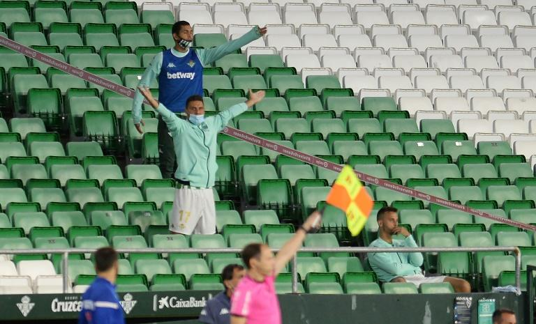 Real Sociedad go top to extend surprise start in La Liga