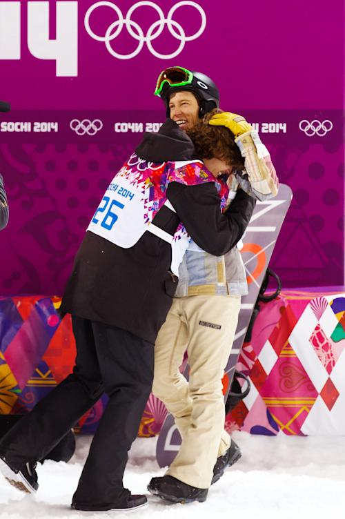 Shaun White leaves Olympics without a medal, or many snowboarding friends