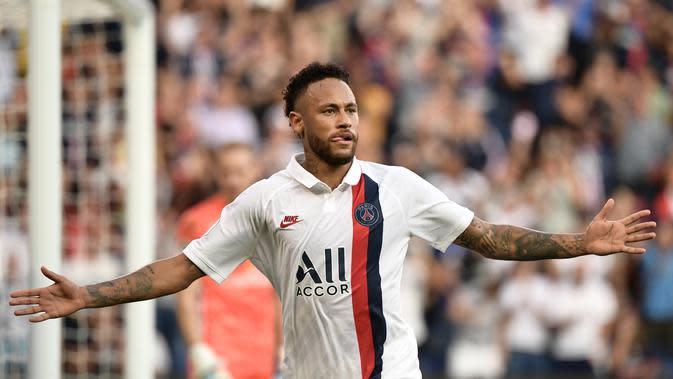 Neymar mencetak gol kemenangan PSG atas Strasbourg. (AFP/Martin Bureau)