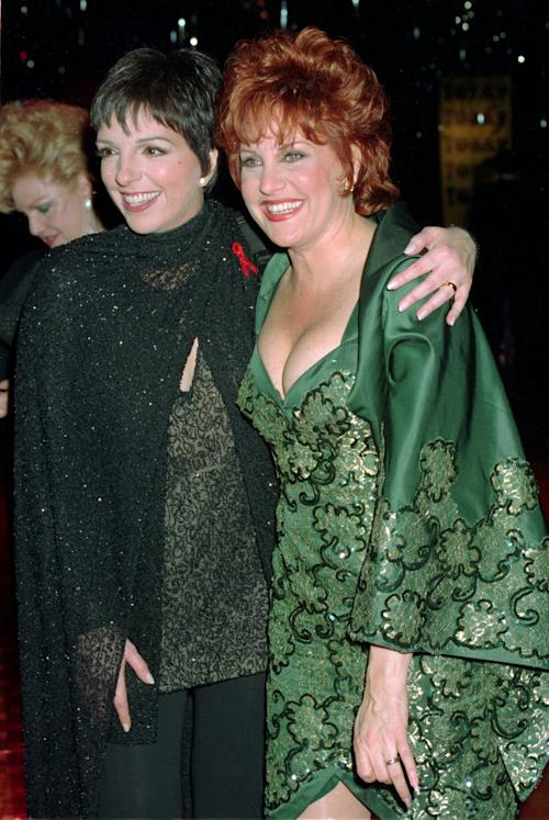 FILE - This June 1, 1993 file photo shows singer Liza Minnelli, left, and her sister Lorna Luft at the Tony Awards in New York. Luft and Minnelli, daughters of the late Judy Garland, will perform together for the first time in 20 years during two concerts next month to raise money to fight breast cancer. The concerts will be held Oct. 14 and Oct. 21 at the jazz club Birdland on West 44th Street. Most tickets start at $250 and include drinks and dinner. (AP Photo/Richard Drew, File)