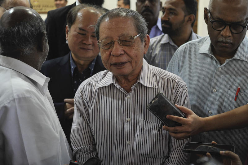 DAP leader Lim Kit Siang pressed Prime Minister Tan Sri Muhyiddin Yassin to explain how the Perikatan Nasional government is to be trusted when the police cannot take action against a minister for violating the Covid 19 quarantine SOP. — Picture by Shafwan Zaidon