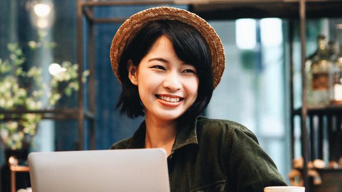 ilustrasi perempuan karir/copyright little star (Shutterstock)
