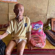 不善表達的老年貧苦人生