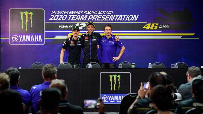 Keberadana Jorge Lorenzo sebagai pembalap penguji Yamaha akan membantu Maverick Vinales dan Valentino Rossi (Twitter/Yamaha)