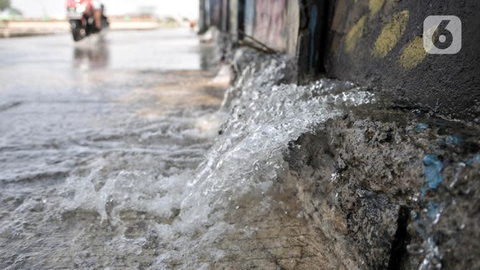 Banjir Rendam Permukiman di Pasar Rebo Jakarta Timur