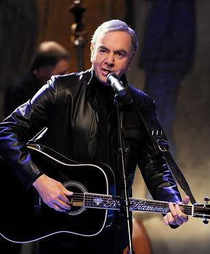 Neil Diamond Gets to the Greek for Another 'Hot August Night'