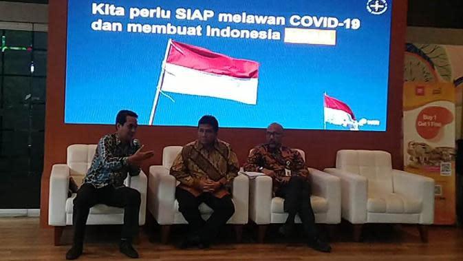 Ketua Pengusaha Hotel dan Restoran Indonesia (PHRI) Hariyadi Sukamdani (tengah). (Liputan6.com/Henry)