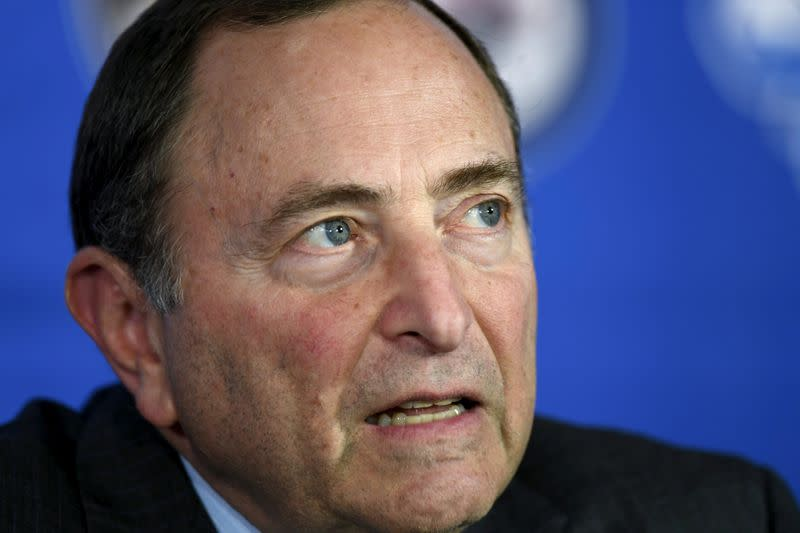 Bettman: NHL plans to finish suspended season