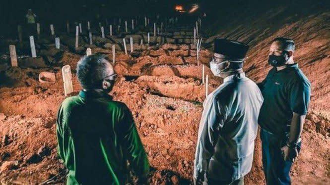 Cerita Anies Kunjungi Kuburan Malam-malam