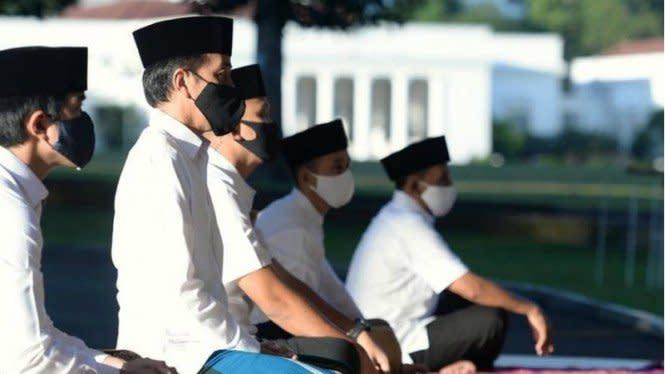 Presiden Jokowi dan Keluarga Salat Idul Fitri di Wisma Bayurini