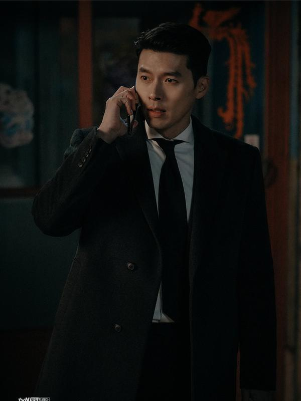 Hyun Bin dalam Crash Landing On You (tvN via Soompi)