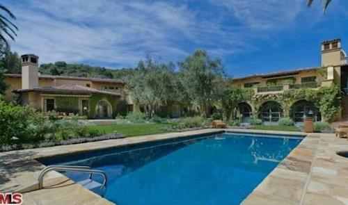 Christina Aguilera Buys Home Formerly Occupied by 'Real Housewife'